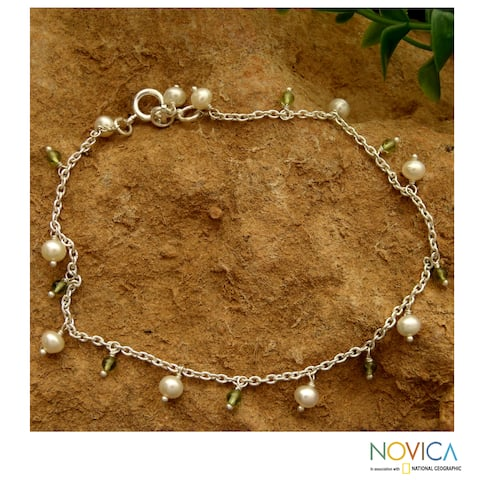 Sterling Silver 'Forest Dew' Peridot and Pearl Anklet (5 mm)