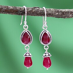 Handmade Sterling Silver 'India Scarlet' Agate Earrings (India)