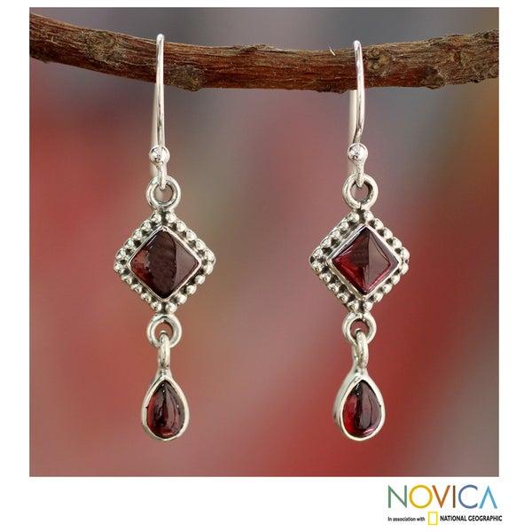 Handmade Sterling Silver Fire of Love Red Garnet Dangling Earrings (India)