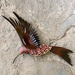 Handcrafted Iron 'Ruby Breasted Hummingbird' Wall Sculpture (Mexico)