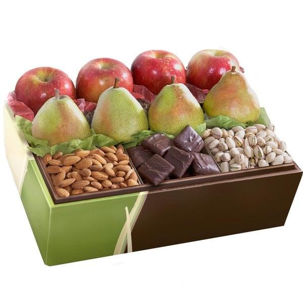 Shop Organic Munch And Crunch Deluxe Fruit Basket