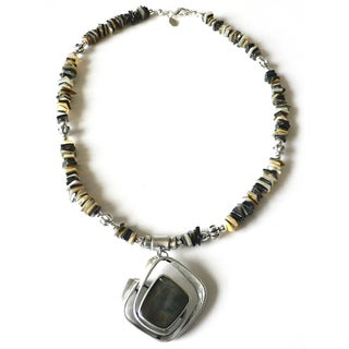 Baja' Black Lip Shell Necklace