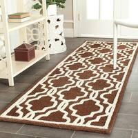 Safavieh Handmade Moroccan Cambridge Dark Brown Wool Rug - 2'6 x 8'