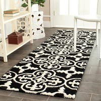 "Safavieh Handmade Cambridge Moroccan Black Wool Rug with Canvas Backing - 2'6"" x 8'"
