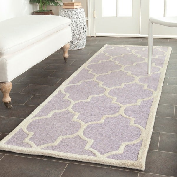 Safavieh Handmade Cambridge Moroccan Lavander Wool Rug with Open Oriental Design (2'6 x 8')
