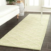 "Safavieh Traditional Handmade Cambridge Moroccan Light Green Wool Rug - 2'6"" x 8'"