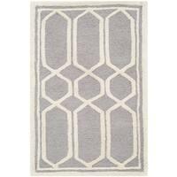 Safavieh Contemporary Handmade Cambridge Moroccan Silver Wool Rug - 2' x 3'