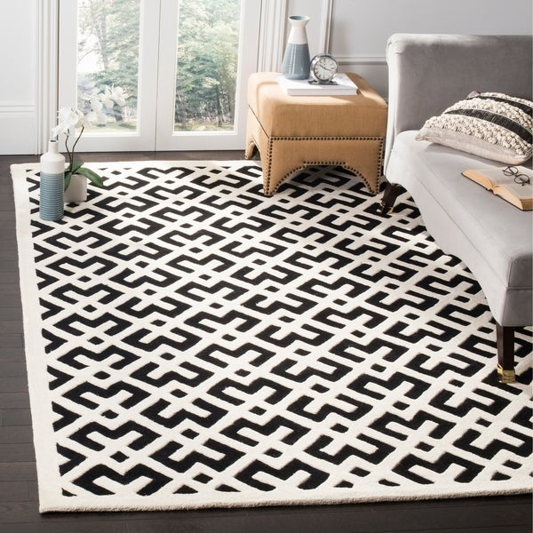 Black And White Geometric Rugs For Sale: Shop Safavieh Handmade Moroccan Black Geometric Pattern
