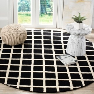 Safavieh Handmade Moroccan Black Wool Rug with Durable Backing (7' Round)