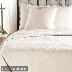 Cooper Cotton Solid Paisley 3-piece Quilt Set with Scalloped Edges
