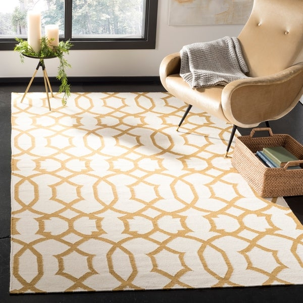 Safavieh Handwoven Moroccan Reversible Dhurrie Ivory Wool Rug with Dense Pile - 8' x 10'