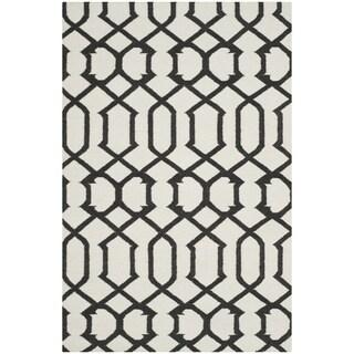 Safavieh Handwoven Black-Patterned Moroccan Reversible Dhurrie Ivory Wool Rug (3' x 5')