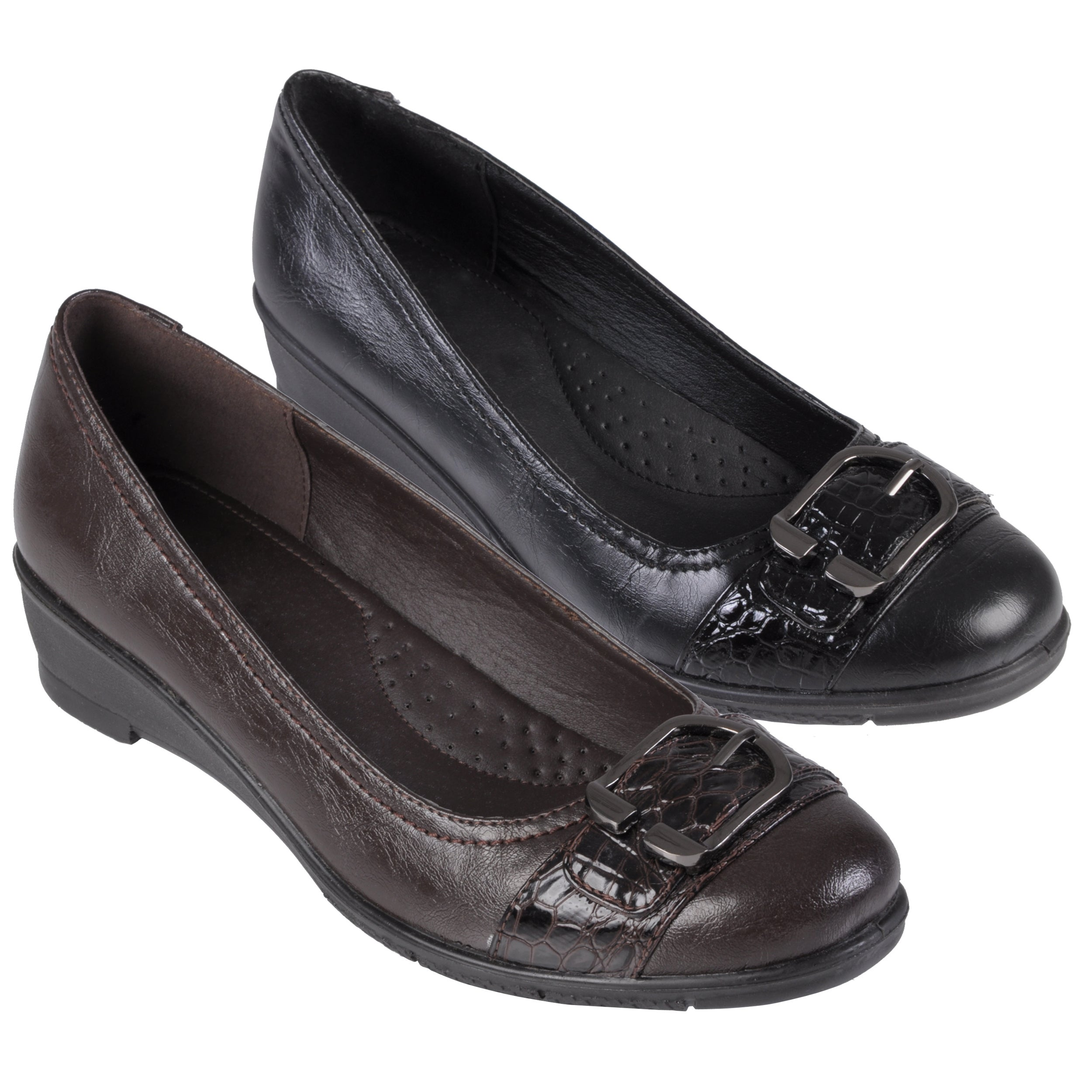 Journee Collection Women's 'Liz-1' Buckle Detail Almond Toe Loafer - Thumbnail 0