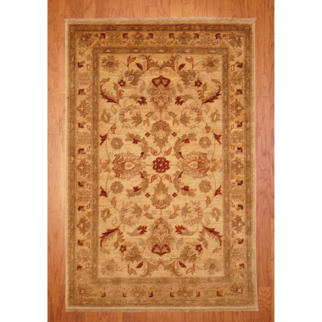 Afghan Hand-knotted Vegetable Dye Ivory/ Beige Wool Rug (3'10 x 5'10)