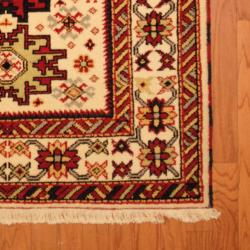 Indo Hand-knotted Kazak Ivory/ Rust Wool Rug (4' x 6') - Thumbnail 2