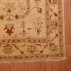 Afghan Hand-knotted Vegetable Dye Ivory/ Rust Wool Rug (4' x 6'3) - Thumbnail 2
