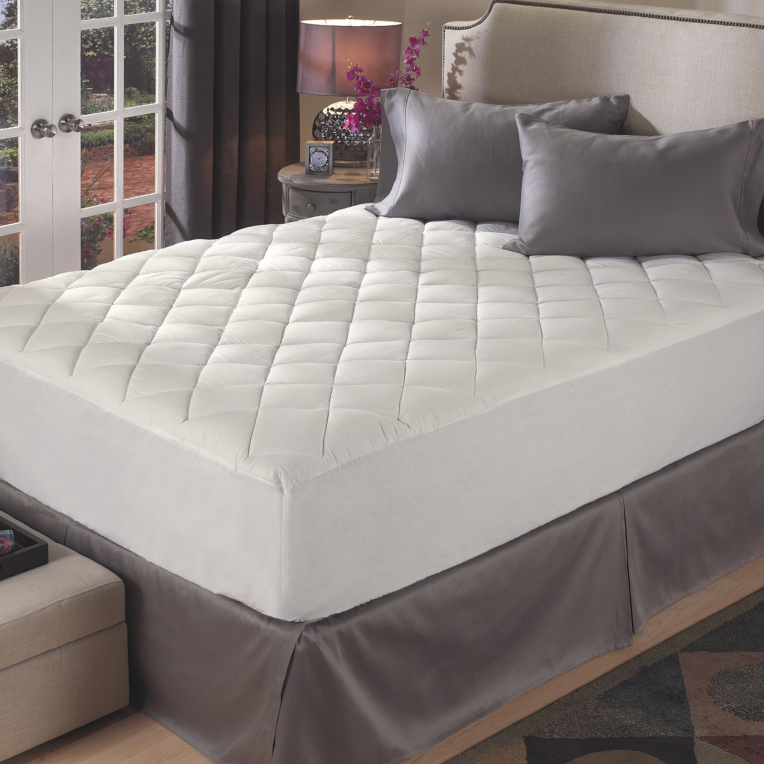 Hotel super topper plush comfort mattress pad free for Comfort inn mattress brand