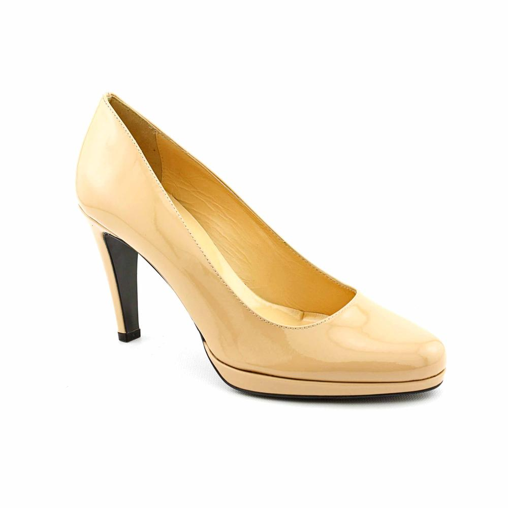 Pour La Victoire Women's 'Lido' Patent Leather Dress Shoes
