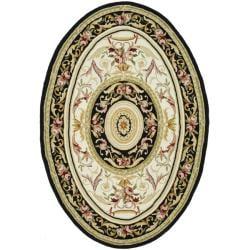 Safavieh Hand-hooked Aubusson Ivory/ Black Wool Rug (4'6 x 6'6 Oval)
