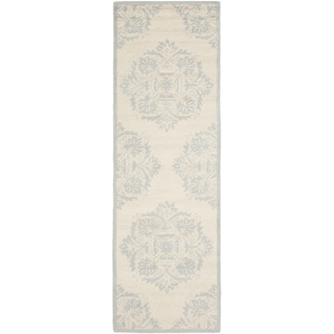 Safavieh Hand-hooked Chelsea Ivory Wool Rug (2'6 x 12') - Thumbnail 0