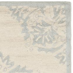 Safavieh Hand-hooked Chelsea Ivory Wool Rug (2'6 x 12') - Thumbnail 1