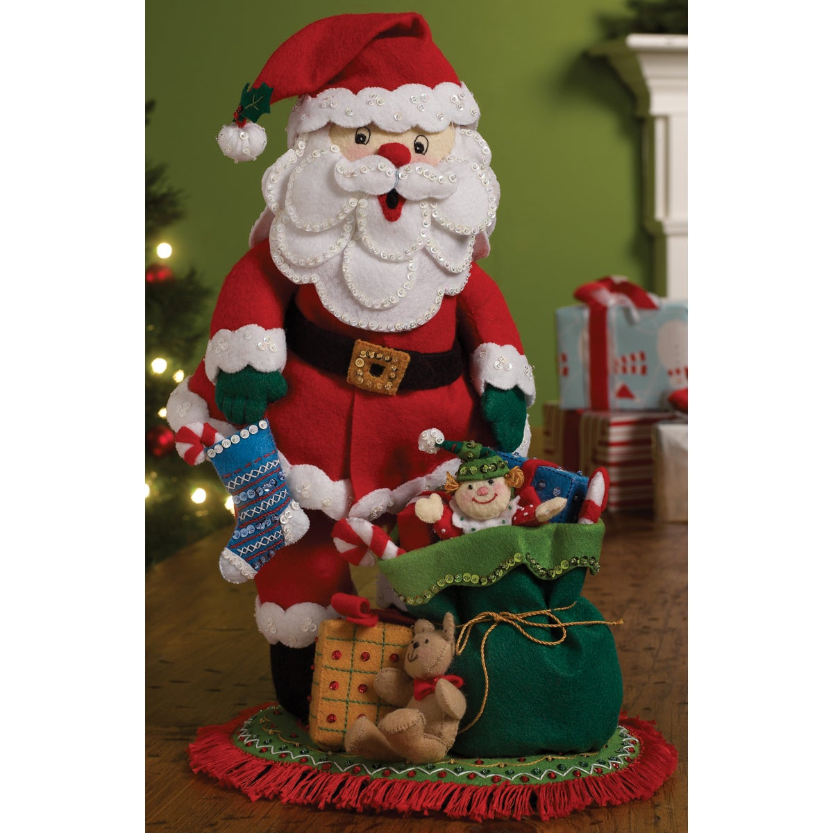 "Traditional Santa 3-D Felt Applique Kit-15-3/4""X9-1/2""X7-1/4"""