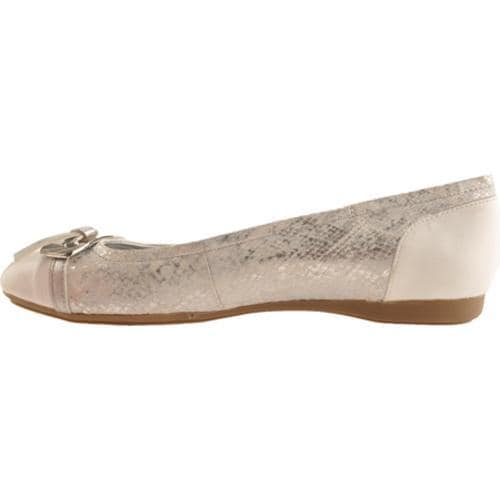 Women's Bandolino Wound Up Silver/White Multi Fabric - Thumbnail 2