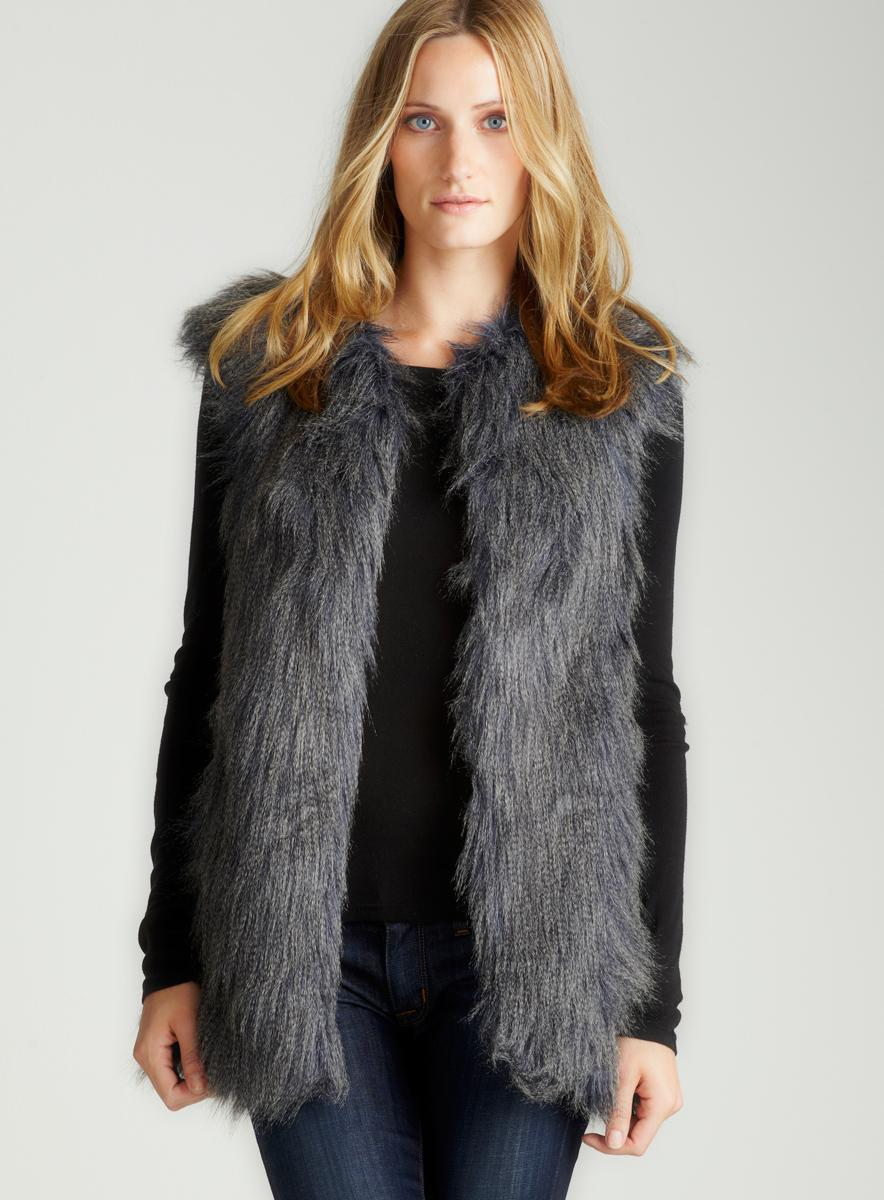 Description This vest is the perfect go to for a stylish and bold look! Featuring; faux fur, shaggy, sleeveless, collared, front closure. Followed by a semi fitted wear. 95% Polyester 5% Spandex.