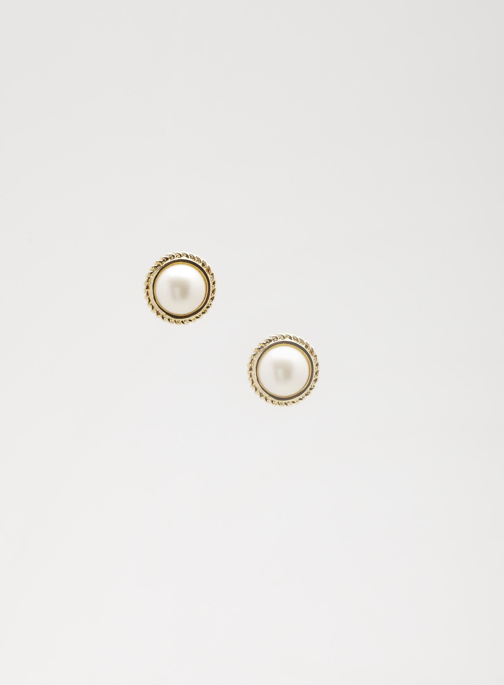 Giselle Isabella Round Pearl Button Earrings