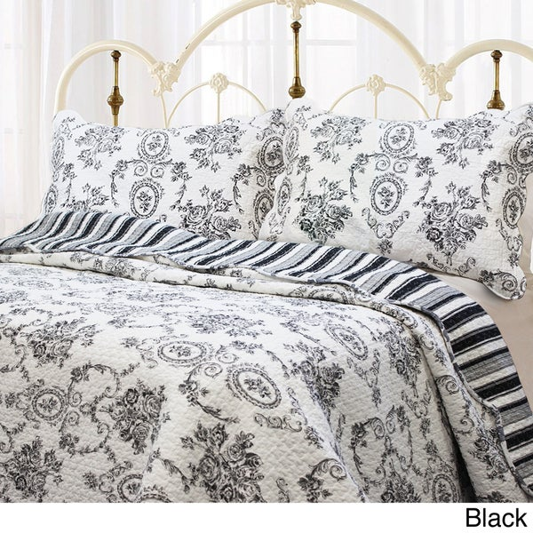 French Medallion 3-piece Quilt Set