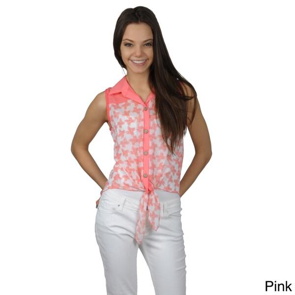 Journee Collection Juniors Lightweight Sleeveless Button-up Top