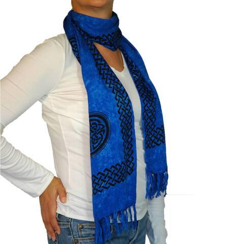Handmade 1 World Sarongs Women's Blue Celtic Knot Scarf (Indonesia)