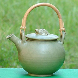 Handcrafted Ceramic 'Rain Frog' Teapot (Indonesia)