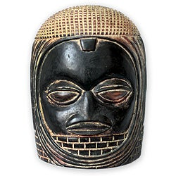 Handcrafted Sese Wood 'Veiled Queen' Africa Mask (Ghana)