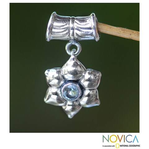 Handmade Sterling Silver 'Narcissus of December' Pendant (Indonesia)