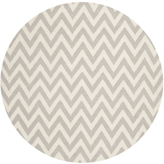 Safavieh Hand-woven Moroccan Reversible Dhurrie Chevron Grey Wool Rug (6' Round)