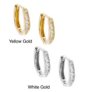 AALILLY 10k Gold Children's 1/10ct TDW Diamond Mini-hoop Earrings (H-I, I1-I2)