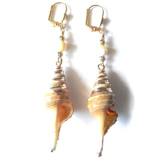 Sandy' Shell Dangle Earrings