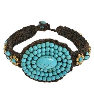 Handmade Oval Tribal Medallion Turquoise Stones Toggle Bracelet (Thailand)