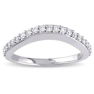 Miadora 14k White Gold 1/4ct TDW Curved Diamond Wedding Band