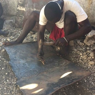 Handmade Tree of Life with Parrots 24-inch Metal Art (Haiti)