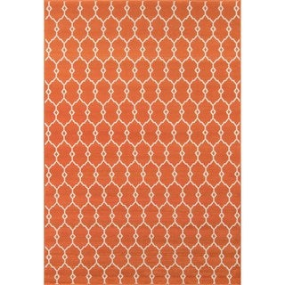Indoor/Outdoor Orange Trellis Rug (6'7 x 9'6)