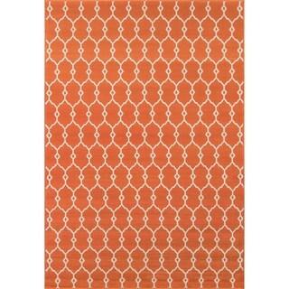 Indoor/Outdoor Orange Trellis Rug (6'7 x 9'6)