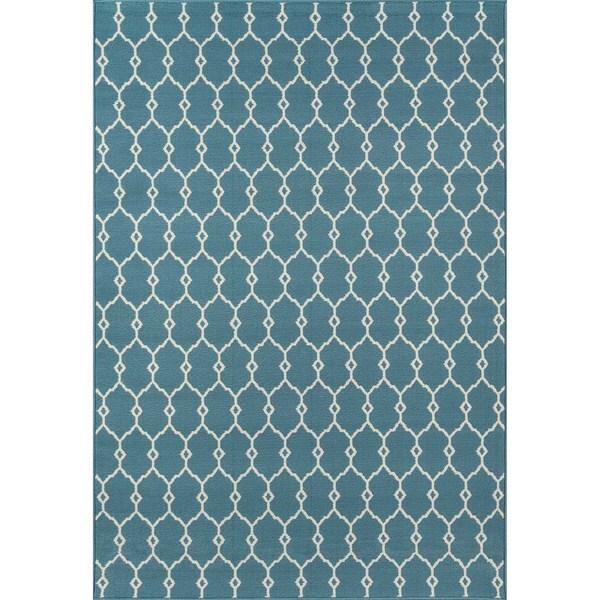 Indoor/Outdoor Blue Trellis Rug (5'3 x 7'6)