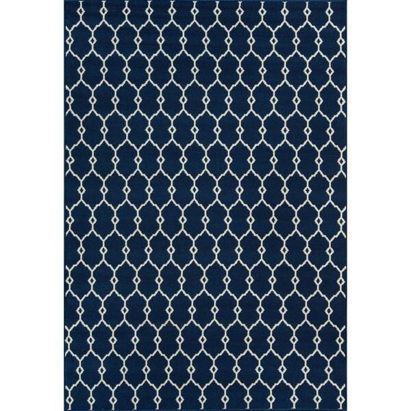 Indoor/ Outdoor Navy Trellis Rug (2'3x 4'6)
