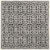 Safavieh Handmade Cambridge Moroccan Black/ Ivory Rug - 6' Square