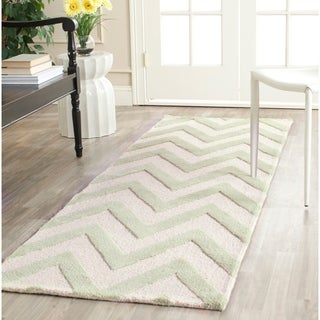 Safavieh Handmade Moroccan Cambridge Chevron Light Green Wool Rug (2'6 x 12')