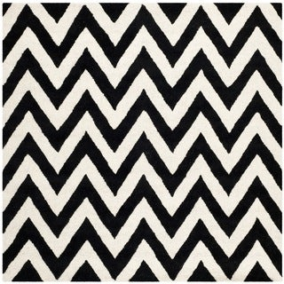 Safavieh Handmade Moroccan Cambridge Chevron Black Wool Rug (6' Square)