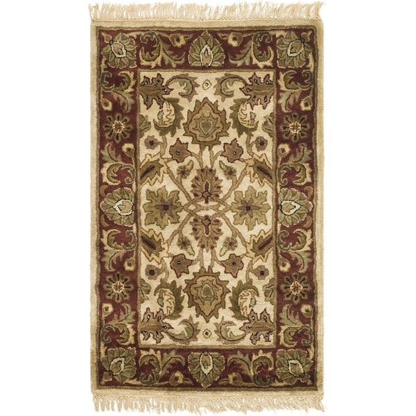 "Safavieh Hand-made Classic Ivory/ Red Wool Rug - 2'3"" x 4'"