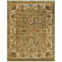"Safavieh Hand-made Classic Green/ Ivory Wool Rug - 8'-3"" x 11'"